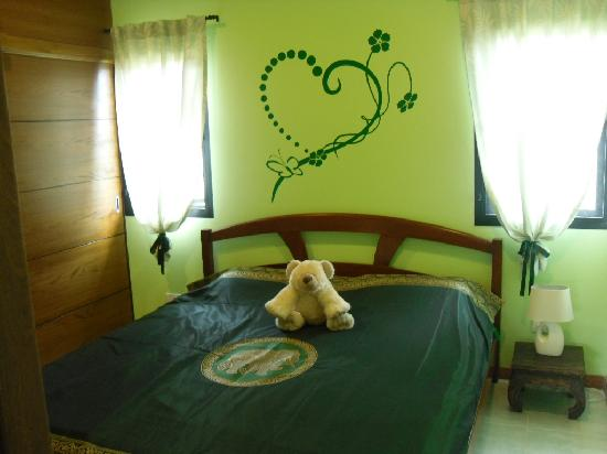 schlafzimmer mit klimaanlage bild fr n phe rayong. Black Bedroom Furniture Sets. Home Design Ideas