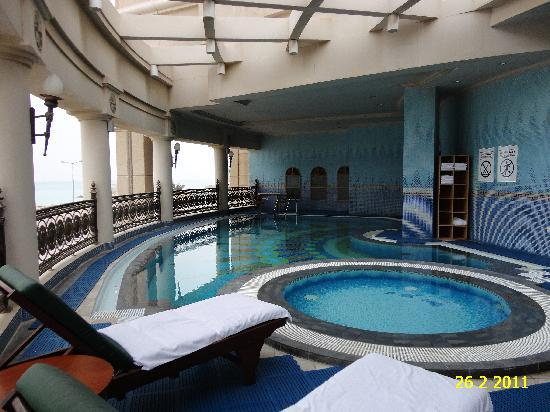 VIEW OF THE COLD OUTSIDE SWIMMING POOL OF RETAJ AL RAYYAN HOTEL.