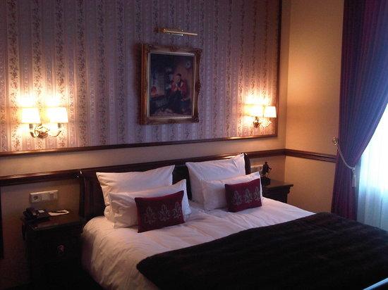 Hotel Villa Achenbach: Blick auf's Bett
