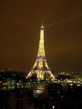 Shangri-La Hotel Paris: Eiffel Tower at Night from my Terrace