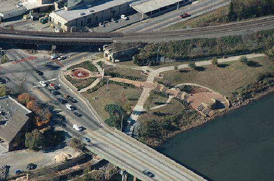 Ocmulgee Heritage Trail: Gateway Park from above