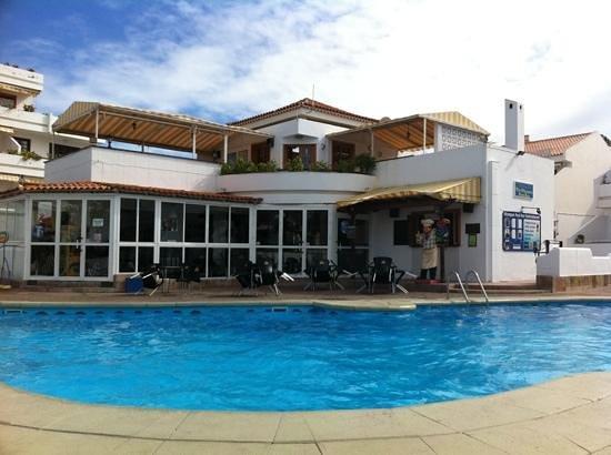 Club Olympus: Olympus pool bar