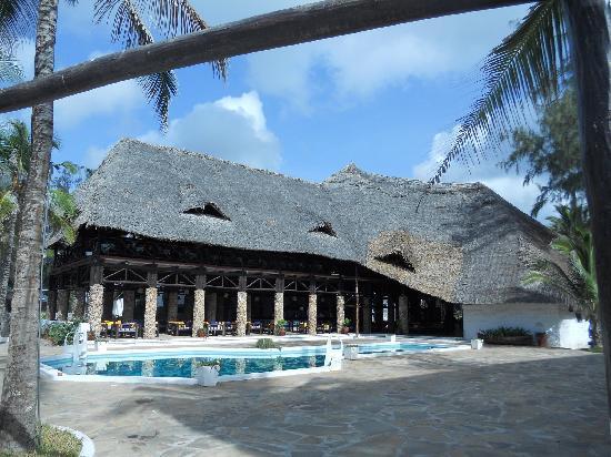 Barracuda Inn: Il ristorante e il bar