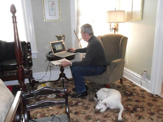 The Park Avenue Mansion Bed & Breakfast: garbo, the rescue dog, keeping jim company in our room