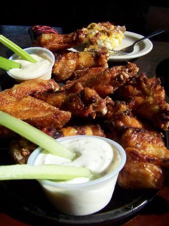 Trenton, MI: Smoked Chicken Wings