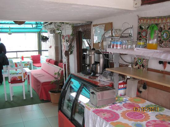 Urkmez Hotel: Roof top breakfast room