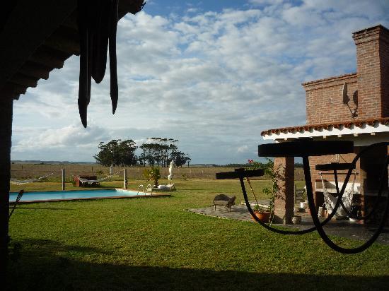 Miradores de Laguna Garzon: Vista desde la galería.