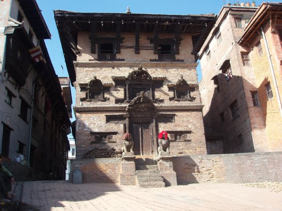 Hotel Himalaya: all temples eventually look the same