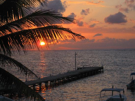 Conch Shell Inn: The best sunrise...from our spot!