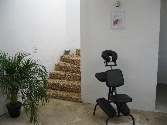 Hotel Latino: le massage hummm relaxant