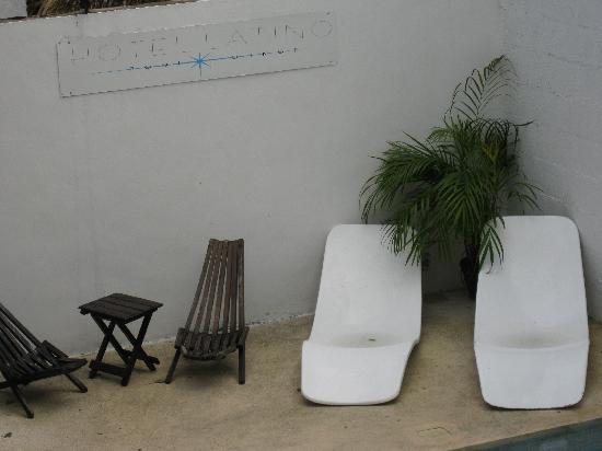 Hotel Latino: coin piscine