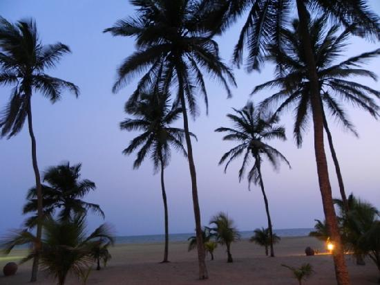 Ouidah, Benín: Early evening view from room balcony