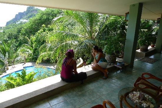Las Palmas B&B: relaxing on the terrace