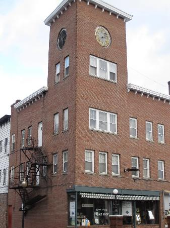 Hotel Coolidge : The clocktower end of the hotel