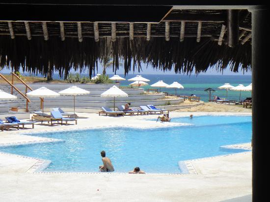 Garoda Resort : piscina