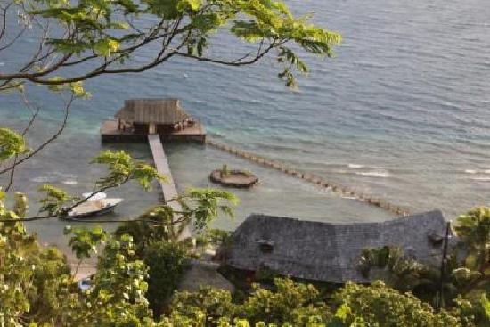 Tiare Breeze: The pontoon and home below