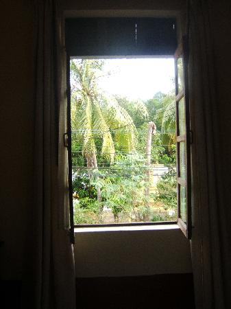 Xieng Mouane Guest House: window view