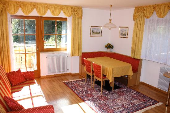 "Garni Apartments Evelyn: Apartment ""Albolina"""