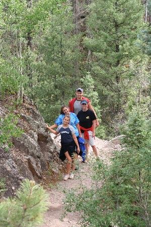 Eagle's Nest Cabins & Homes: Great hiking trail about 3 miles from our cabin.