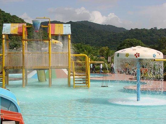 United 21 Panoramic Resort, Karnala