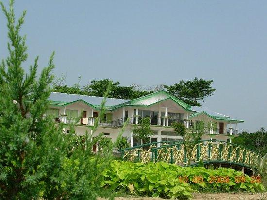 Birpara, Ινδία: Green Lagoon Hotel & Resort - Lataguri (Dooars)