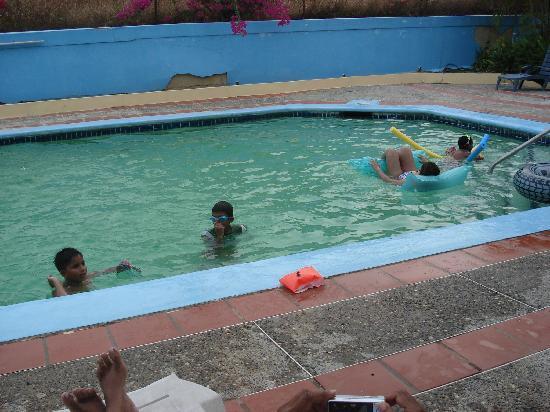 Sherwood Park Apartments: great pool
