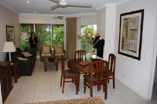 Paradise Links Resort Port Douglas: inside apartment