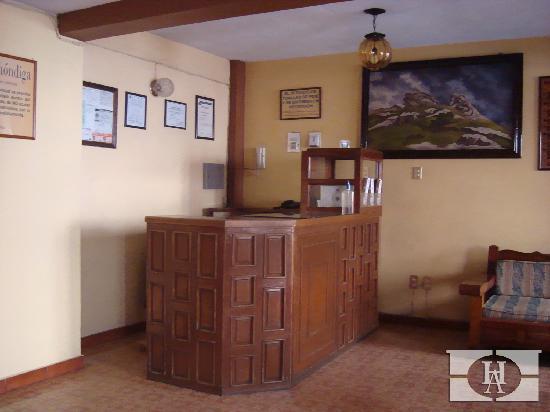 Hotel Alhondiga: Hotel Alhóndiga / lobby