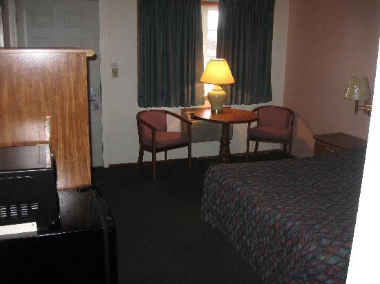 Motel 6 - Kalama Wa: room