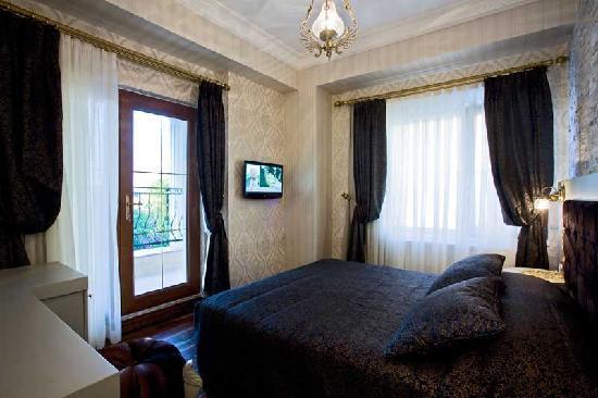 Ascot Hotel: Sea View Room