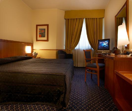 Pacific Hotel Fortino : a standard room