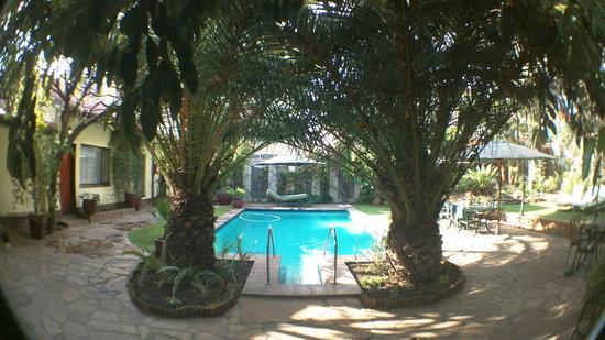 Hotel Pension Steiner: Garten