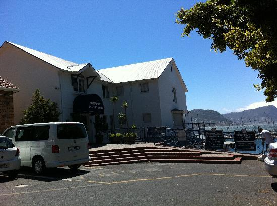 Simon's Town Quayside Hotel and Conference Centre: View from parking lot