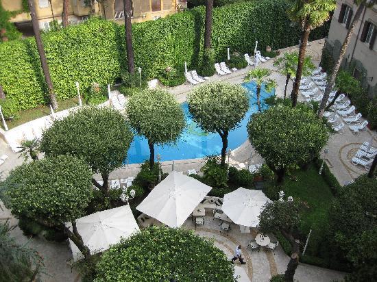 อัลโดรวานดิวิลลา โบรเกห์เซ่: View of the pool from our room