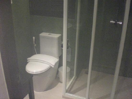 WOW Bangkok: Toilet and Shower Cubicle