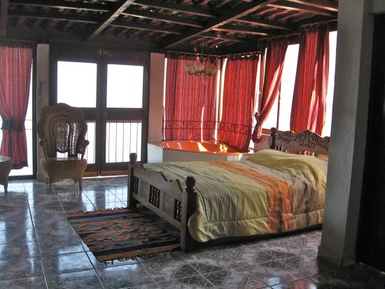 San Antonio Palopo, Gwatemala: the rest of the King's suite