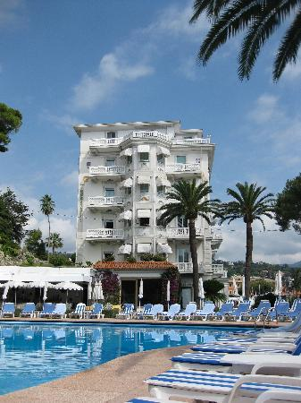 Grand Hotel Miramare: The hotel from the pool