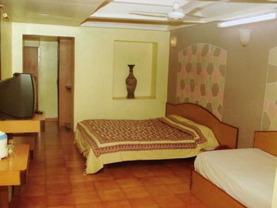 Adamo The Village : Hotel Riviera