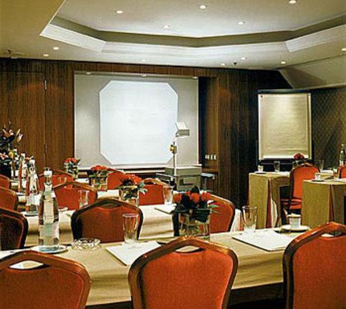 United-21 Resort Mahabaleshwar: Swiss Country Resort