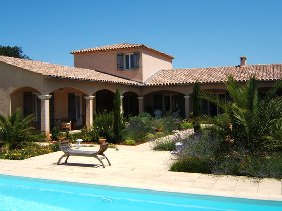 Villa Virinn : Garden and Pool