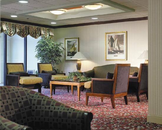 Holiday Inn Express Middletown / Newport: Lobby