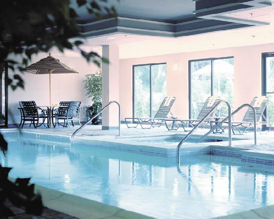 Holiday Inn Express Middletown / Newport: Indoor Pool