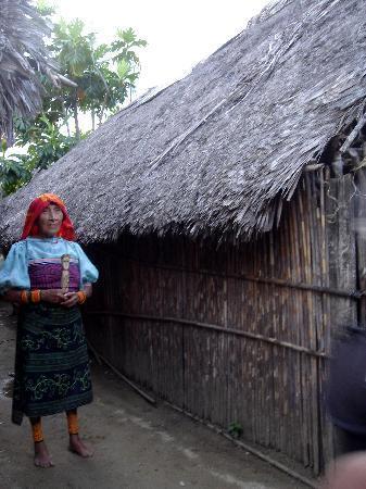 Остров Сан-Блас, Панама: femme Kuna