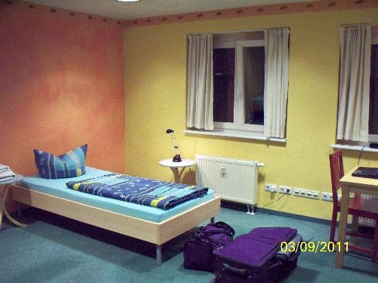 Hotel & Hostel Friedrichshain: My Room