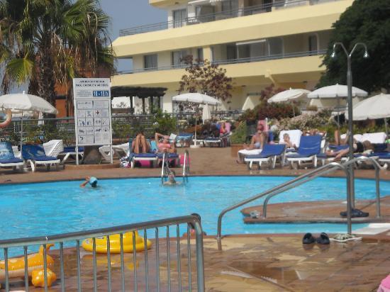 Buenas piscinas picture of hovima santa maria costa for Piscinas oviedo