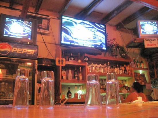 Mango Sunset: bar