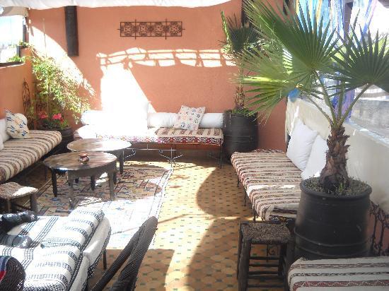 Riad Ajebel: la terraza con el sol...