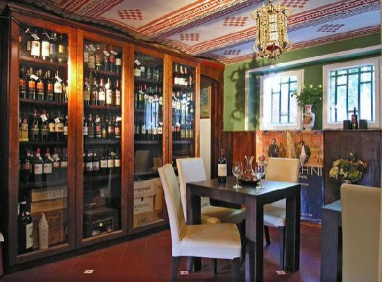 Hotel Club i Pini - Residenza D'Epoca: enoteca