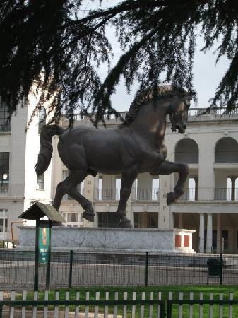 Caballo de Leonardo da Vinci: Monumento