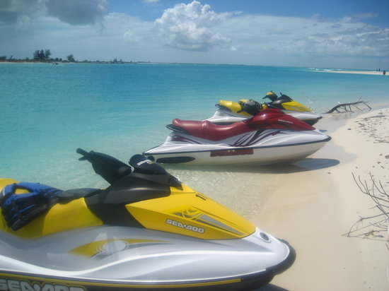 Providenciales: Parked at the beach.